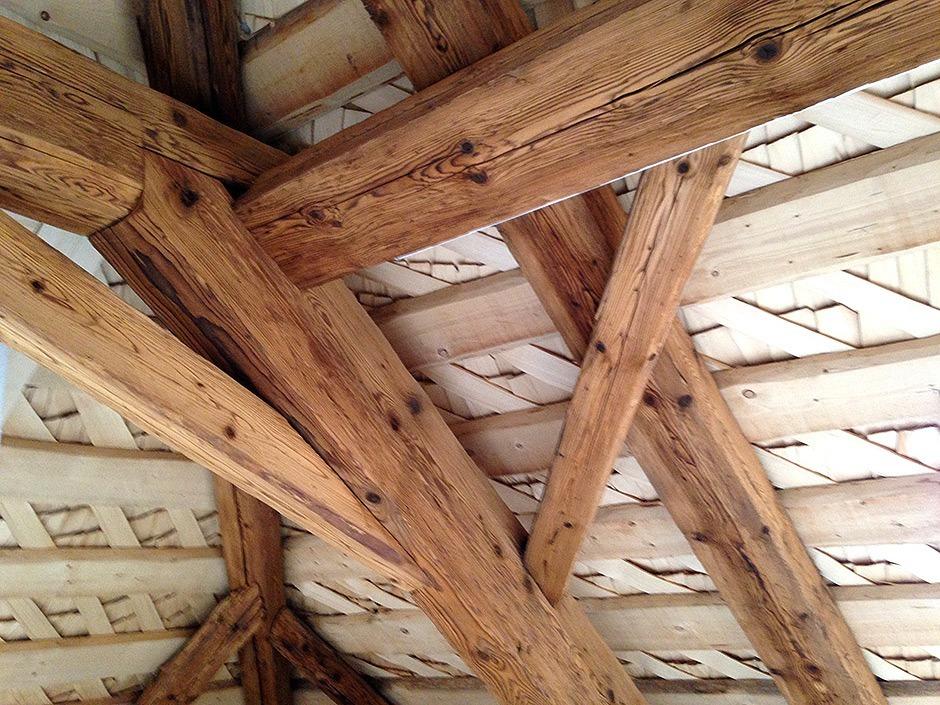 peinture poutre plafond interesting incroyable peinture poutre bois plafond poutre archives. Black Bedroom Furniture Sets. Home Design Ideas